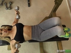 Personal trainer wants to feel a blonde's amazing horny body