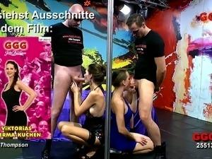Sex-insane harlot Susi is testing giant dildo toy