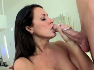 Super busty brunette MILF Reagan Foxx blows meaty lollicock of her horny...