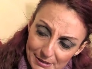 mature mom sc54