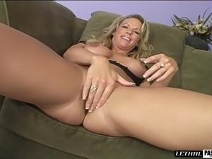 Asshole of a blonde milf filled with a long boner after sucking it