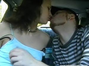 Backseat head from a horny teen brunette