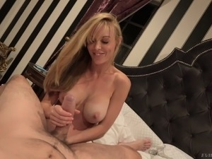 Stunning angel Kayden Kross gives blowjob and titjob