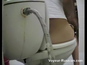 voyeur-russian pooping 3