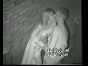 Horny girl and a big white guy having quickie on the dark street