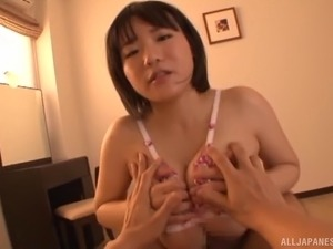 Skillful chick Kaho Shibuya has a nice time while sucking on a cock