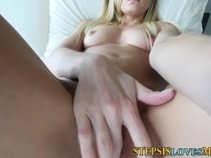 Pov amateur whore sucks