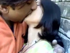 Sexy Indian teen gets her perky boobies licked by her eager lover