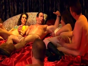 Normal amateur couple tries groupsex in a swinger club