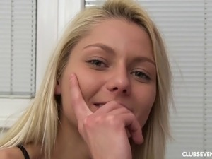 Pretty blonde talks about what she expects out of modeling