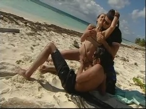 Summer Beach Double Penetration Fun! Remember the Sunscreen! Watch Read Rate...