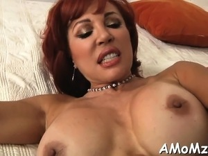 Hot mom welcomes hard schlong to enter her soaking snatch