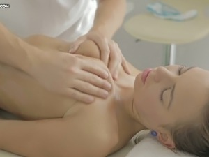 Thirsting massage man investigates fresh pussy of shy brunette girlie in...