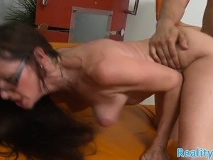 Spex milf pussyfucked after toesucking