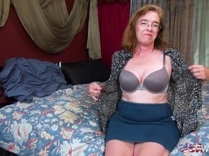 Old mature lady seductively playing with her hairy pussy and toying