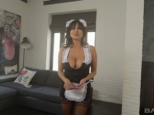 Big breasted MILF Tara Holiday gives up her fuckhole for a good pounding