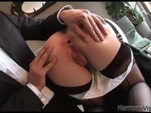 Just pulled her super short skirt to fuck her pussy