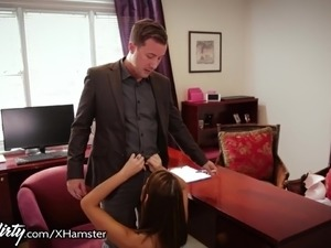 PrettyDirty August Ames Wants Doctors Dick