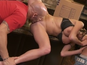 MILF Veronica Avluv gets threesomed in a kitchen by muscled guys