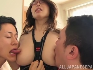 Innocent looking bust Japanese babe satisfies two cocks like nothing