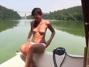 This lovely babe is enjoying some hot fuck session in a picturesque place