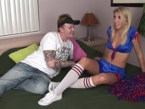 Blond Cheerleader Get Creampied