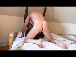 Interracial gay lovers satisfy their sexual urges on the bed