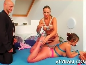 hot babe gets pussy dildoded