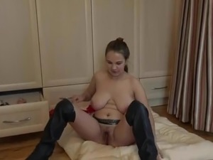 Hairy girl fucks her cunt and arse with some farts
