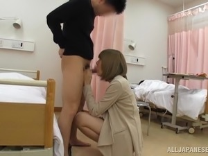 Japanese hottie lets a guy finger her cunt and fuck it from behind