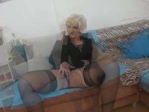 Hungry mature mother suck and fuck young boy