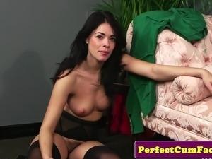 English lingerie beauty sucks til facial