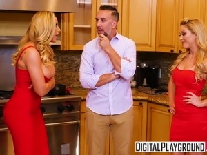 DigitalPlayground - Thanks giving Turkey Toss with Cherie De
