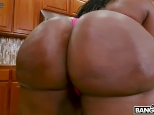 Giant breasted chocolate nympho with cellulitis ass Victoria Cakes gives titjob