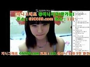 한국 국산 노모 젖가슴을 드러낸 고딩의 여캠 16일차 방송