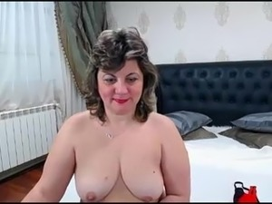 Sexy beautiful mature woman on webcam Curvyrita