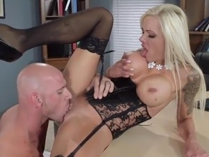 Nina Elle And Johnny Sins Have Terrific porn inside An Office